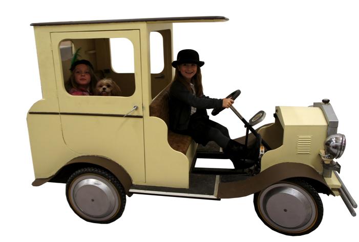 Bugsy Malone Splurge Gun & Prop Hire - bugsy car